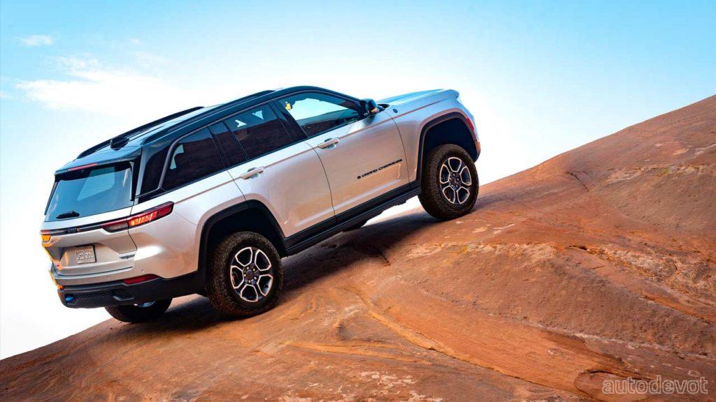 2022-Jeep-Grand-Cherokee-Trailhawk-4xe_3